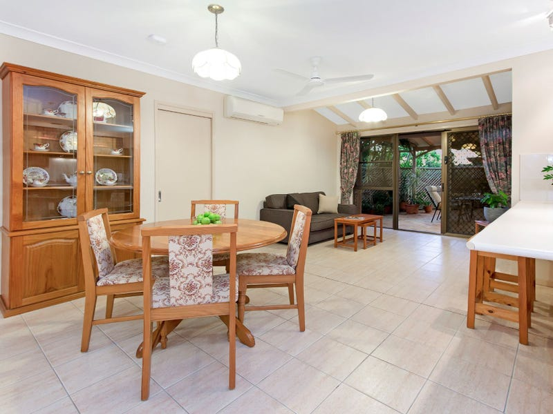 4 Gregory Court, Mount Ommaney, Qld 4074