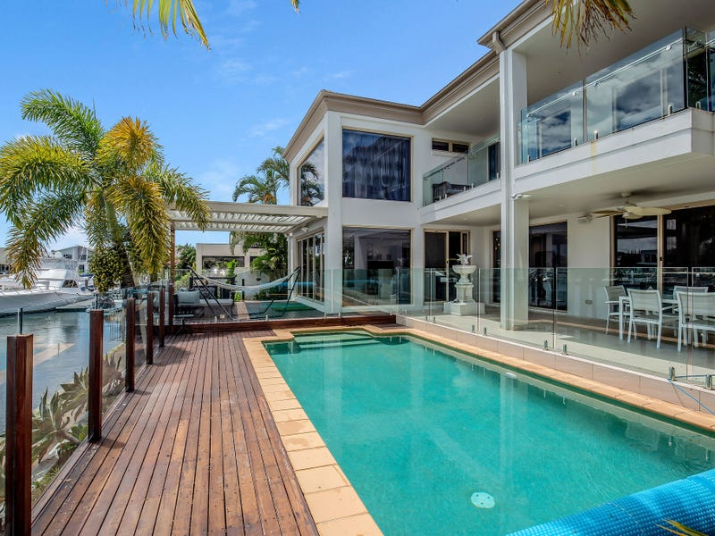 27 King Charles Drive, Sovereign Islands, Qld 4216