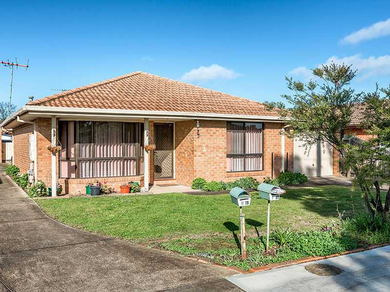 Unit 1/15 Acacia Crescent, Melton South, Vic 3338