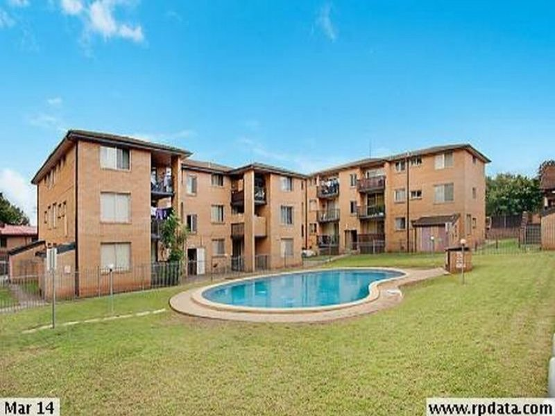 18/5-7 Hoddle Avenue *, Bradbury, NSW 2560