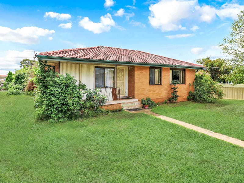 1 Mangariva Avenue, Lethbridge Park, NSW 2770