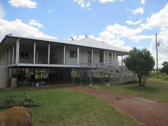 140 HOUSTON ROAD, Wallumbilla, Qld 4428