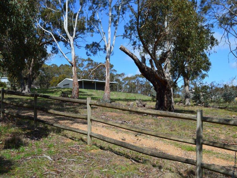 13 Cooraminta Crescent, New Gisborne, Vic 3438