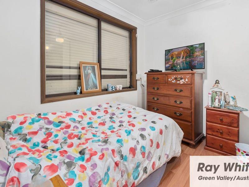 1/37-39 Budgerigar Street, Green Valley, NSW 2168