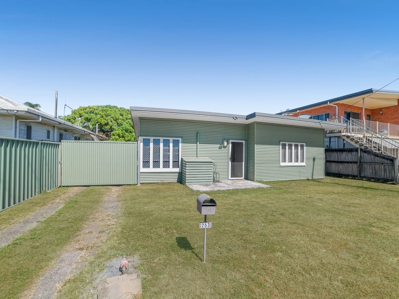 253 Little Spence Street, Bungalow, Qld 4870