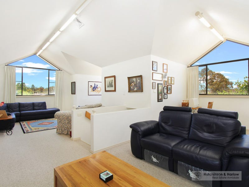 23 Laurence Avenue, Armidale, NSW 2350