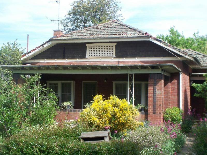 39 Thompson Street, Cootamundra, NSW 2590