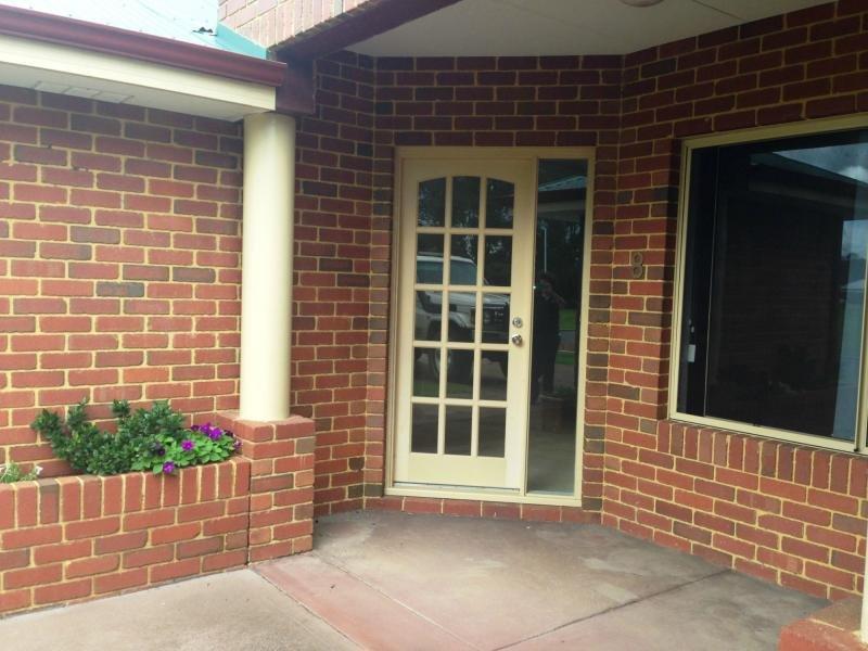 8 Gibson Terrace, Burekup, WA 6227