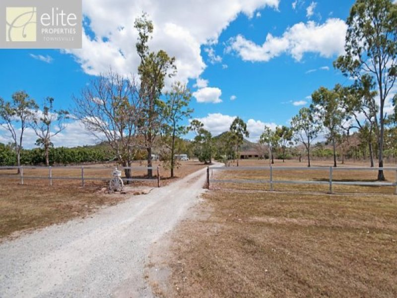 24 Thunderbolt Drive, Oak Valley, Qld 4811