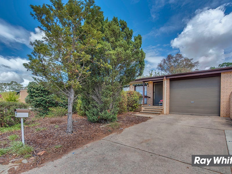 11 Moorehead Place, Latham, ACT 2615