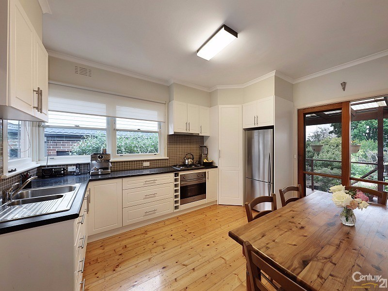 93 Parkmore Road, Bentleigh East, Vic 3165