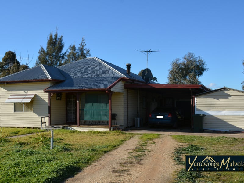 72-74 Princess Street, Urana, NSW 2645