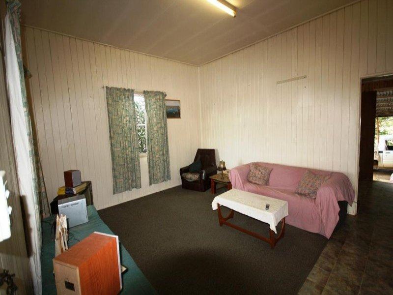 70 Stuart-Russell Street, Mundubbera, Qld 4626