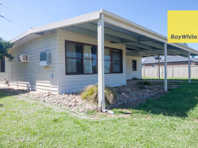 70 Read Street, Howlong, NSW 2643