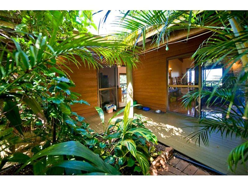 40 Springcreek Close, The Caves, Qld 4702