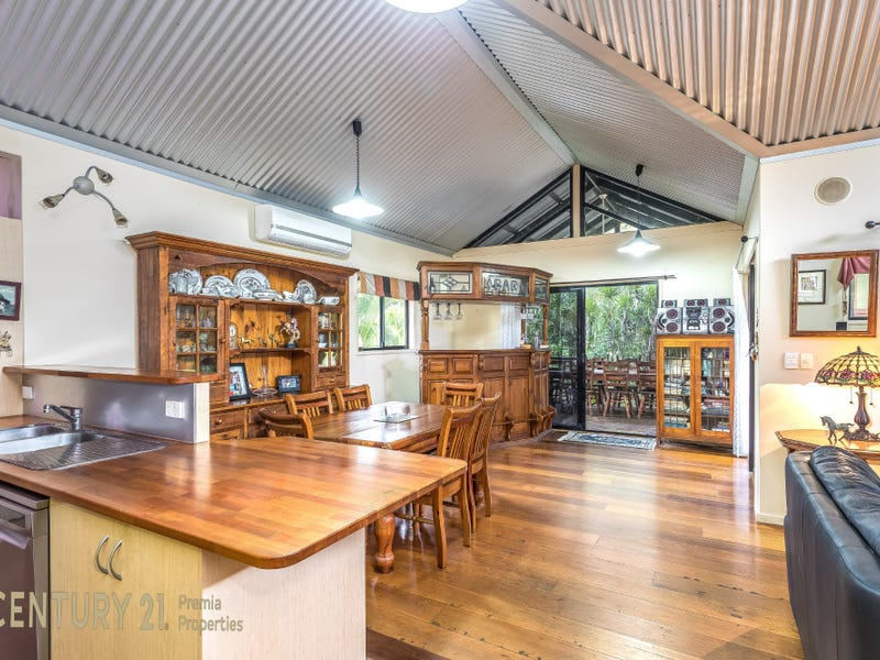 176  White Patch Esplanade, White Patch, Qld 4507