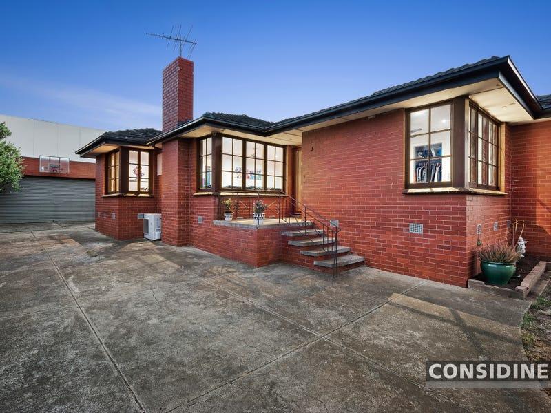13 Tasman Ave, Strathmore Heights, Vic 3041