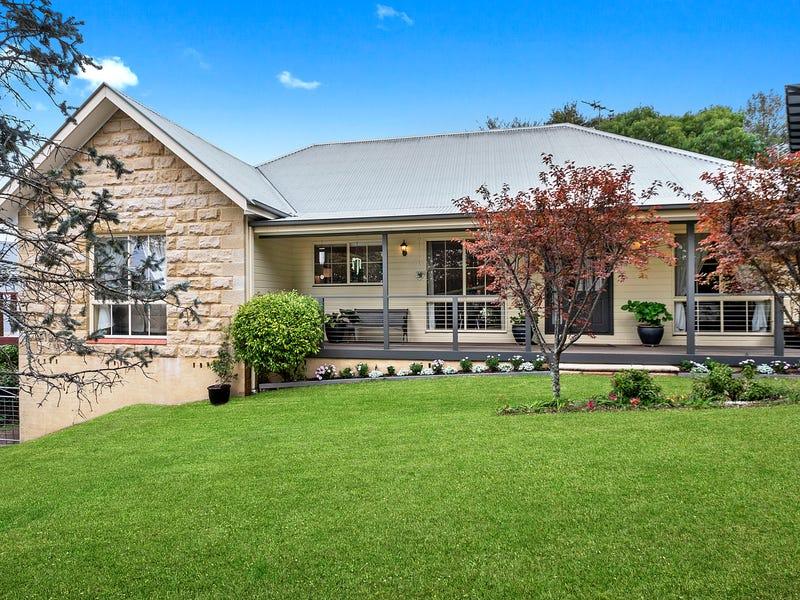 15 Warks Hill Road, Kurrajong Heights, NSW 2758