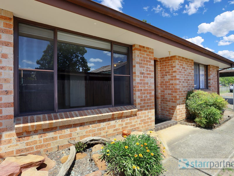 2/249 Macquarie St, South Windsor, NSW 2756