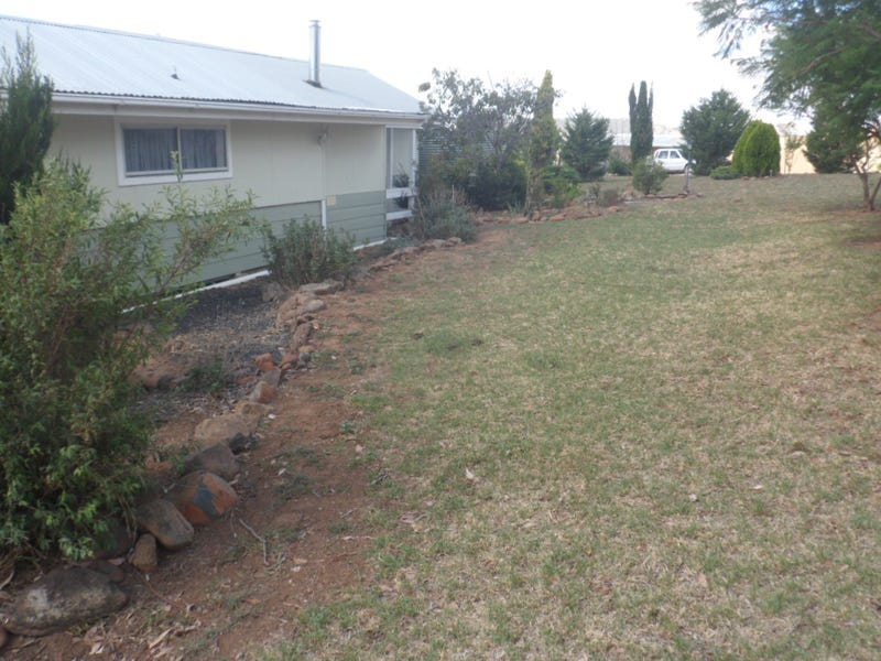 64 Wianamatta Rd, Canowindra, NSW 2804