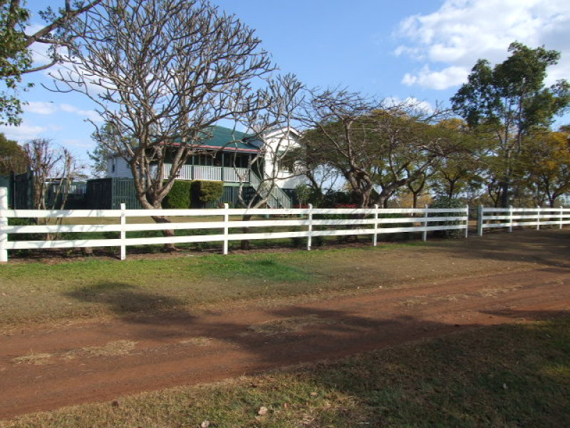 536 Middle Road, Proston, Qld 4613