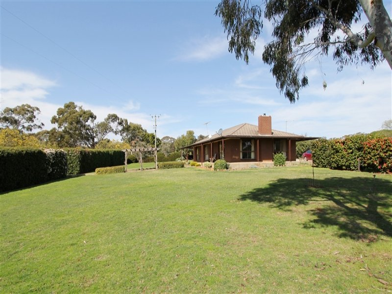 20 Adekate Camp Road, Dean, Vic 3363
