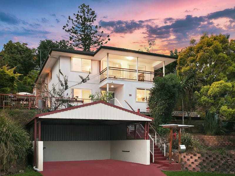 39 Roseglen Street, Greenslopes, Qld 4120