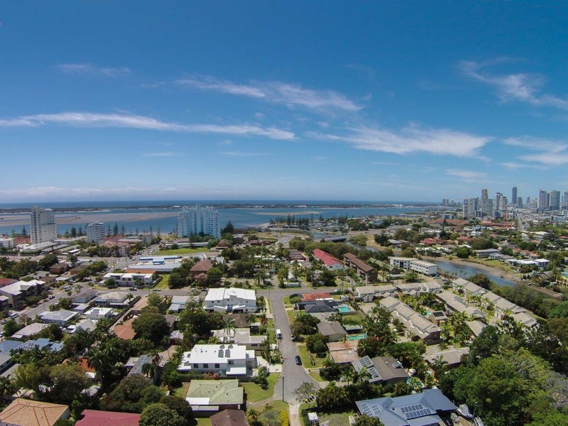 13 Rathbone Place, Labrador, Qld 4215