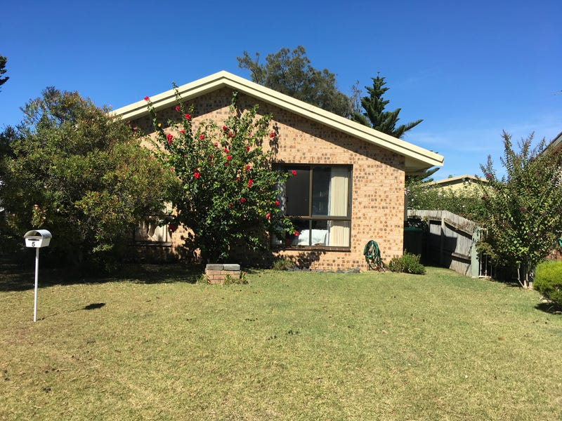 5 Eugenia Place, Maloneys Beach, NSW 2536