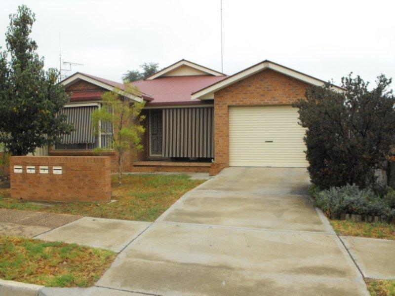 2/363 Clarinda St, Parkes, NSW 2870