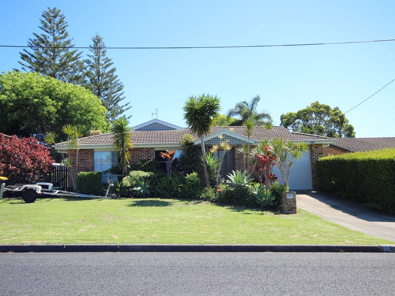 33 Carribean Avenue, Forster, NSW 2428