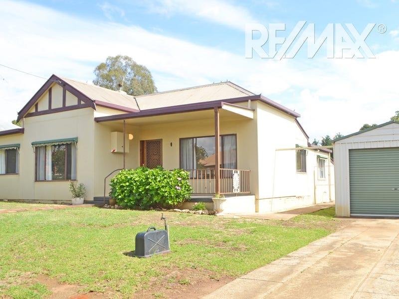 19 Hammond Street, Junee, NSW 2663