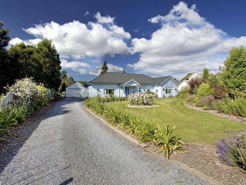 15 Carl Court, Swan Point, Tas 7275