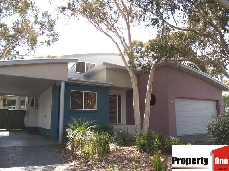 10 Sandlewood  Cove, Callala Beach, NSW 2540