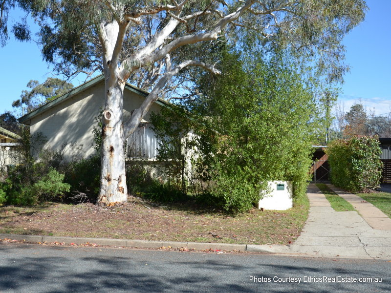 32 Carslaw Street, Chifley, ACT 2606