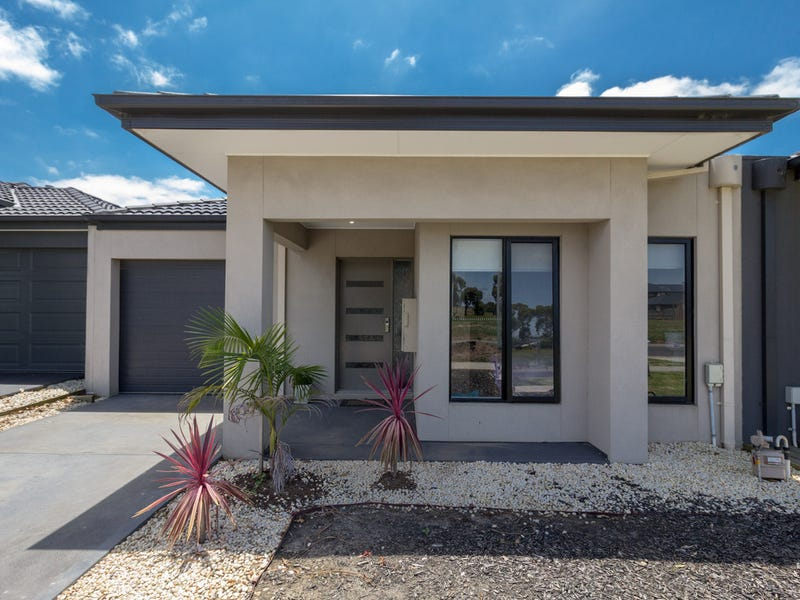24 Pyrenees Road, Clyde, Vic 3978