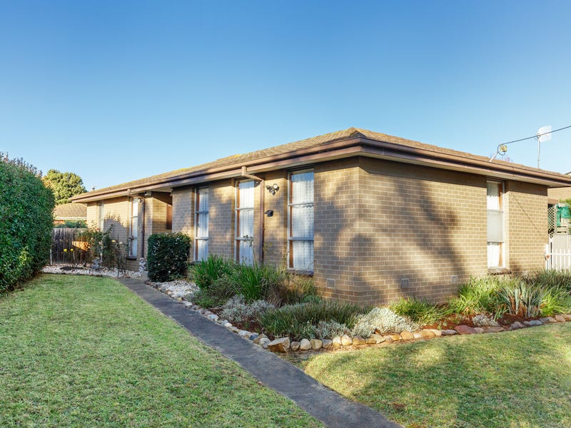 18 Jackson Avenue, Sale, Vic 3850