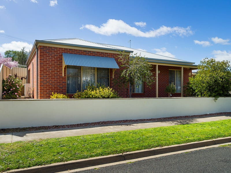 1B McGrath, Castlemaine, Vic 3450