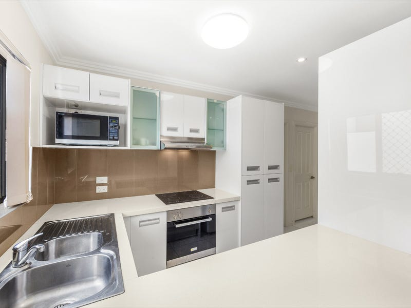 2/58 Moore Street, Morningside, Qld 4170