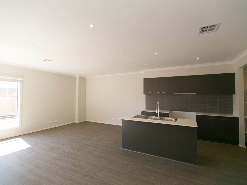 49 Gramercy BLV, Point Cook, Vic 3030