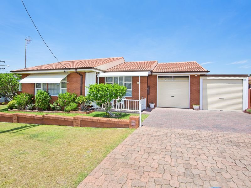 181 Bay Road, Toowoon Bay, NSW 2261