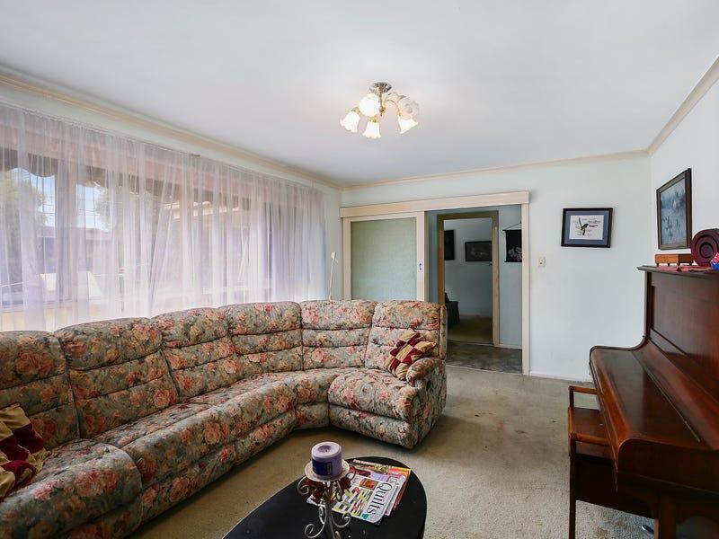 20 Helen Avenue, Croydon South, Vic 3136