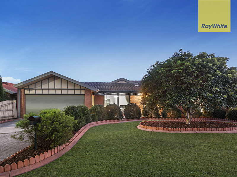 16 Ahmet Place, Hillside, Vic 3037