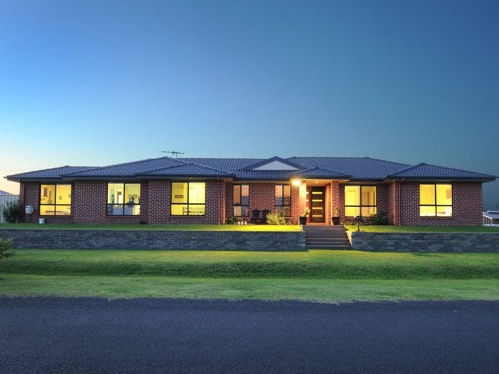 2a Clear Water Close, Grafton, NSW 2460