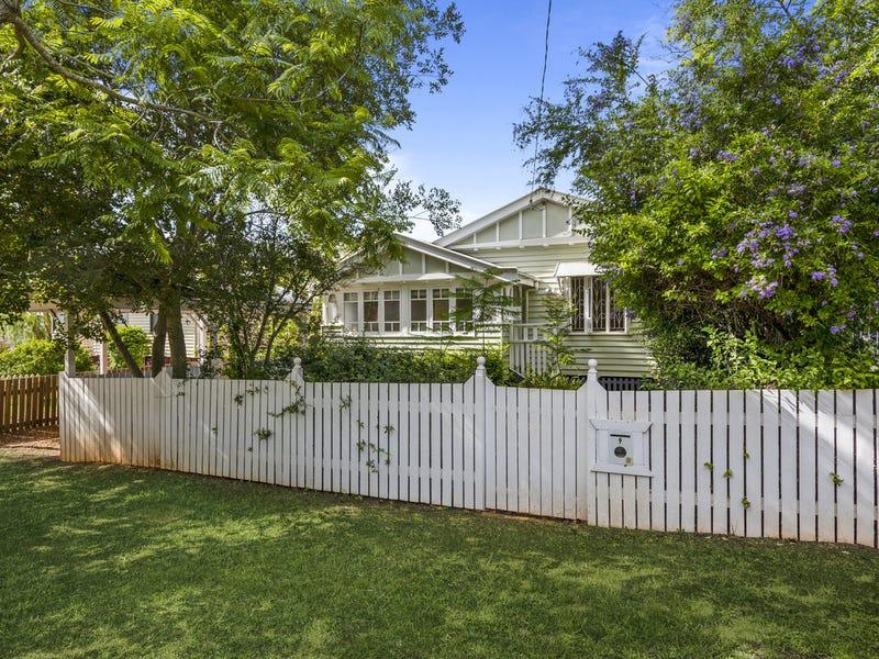 9 Stephen Street, South Toowoomba, Qld 4350