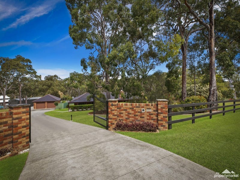 11 Larapinta Drive, Wyee Point, NSW 2259