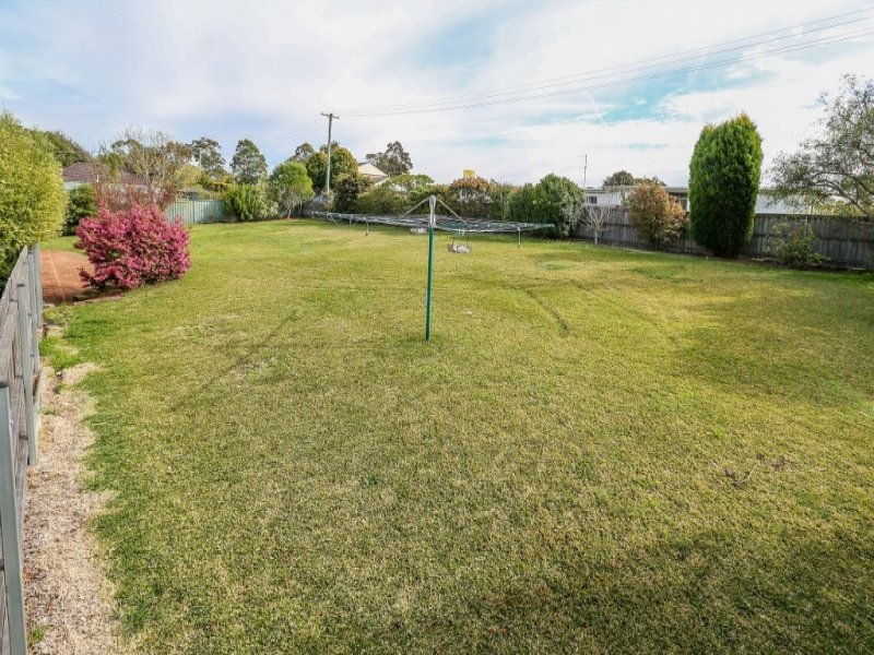2 Lewis Street, Cardiff South, NSW 2285