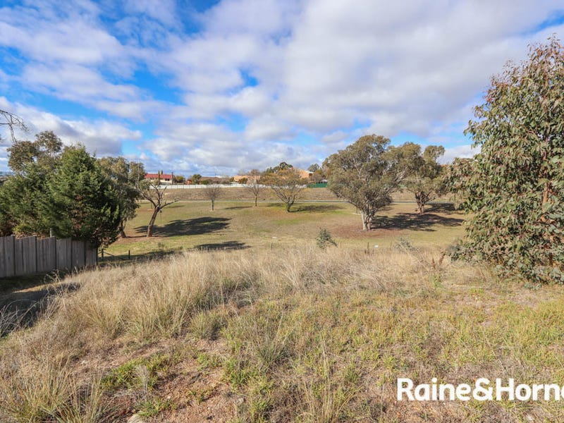 8 Red Gum Place, Windradyne