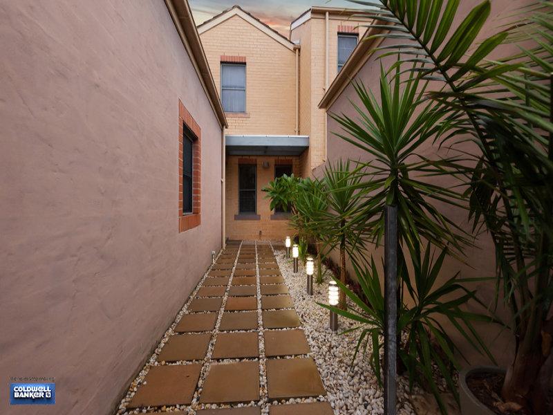 12/20 Continua Court, Wattle Grove, NSW 2173