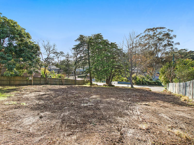 2 Hewitt Avenue, Wahroonga, NSW 2076